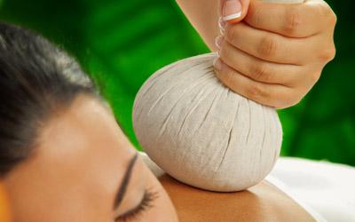 Kräuterstempel-Massage Gießen